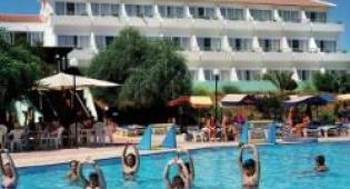 Adelais Bay Hotel 3